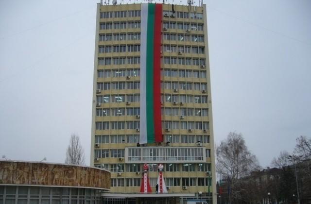 32 метровият трибагреник на Община Димитровград